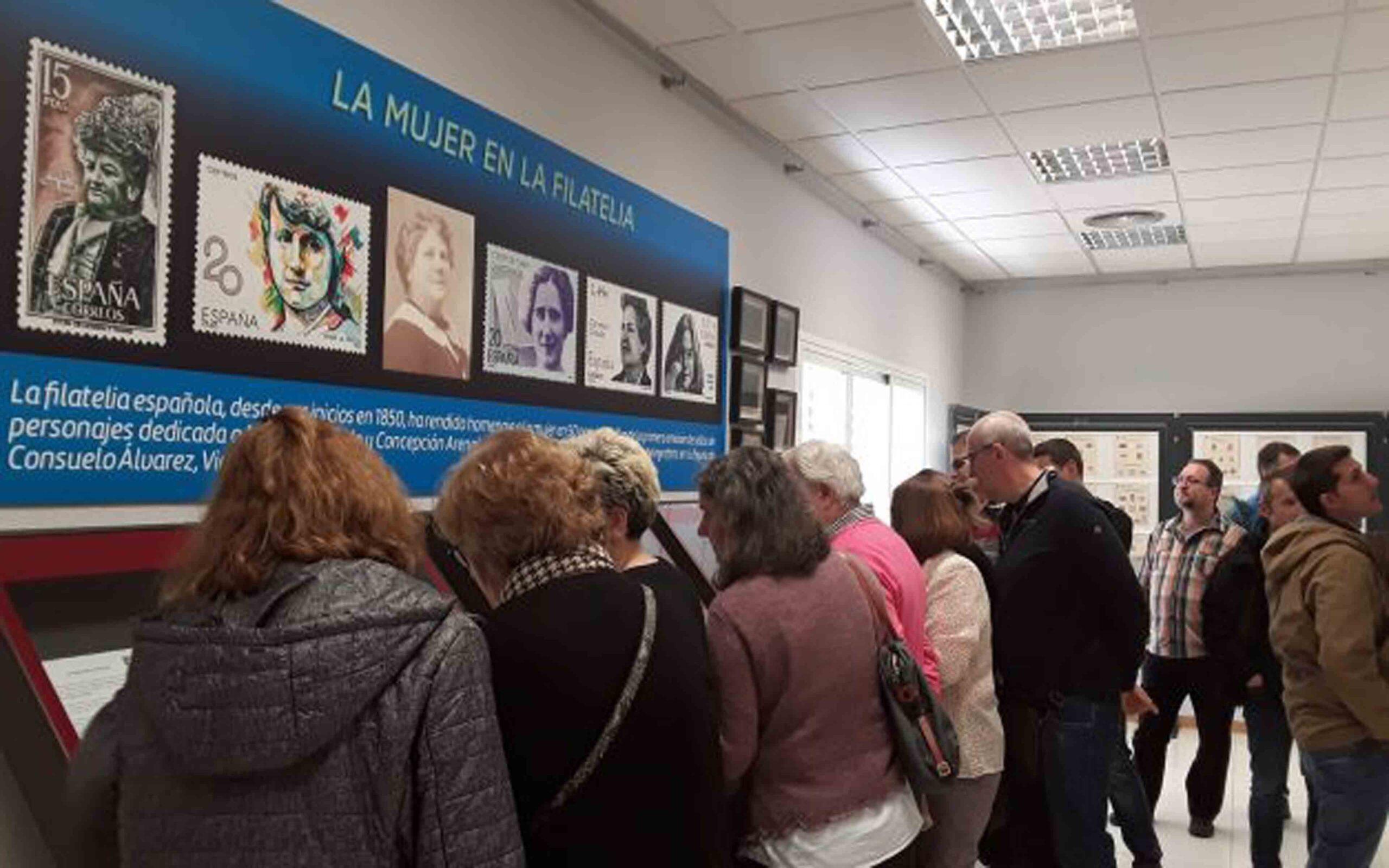 Exposición en el Museo Postal - La mujer en la Filatelia