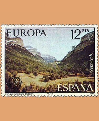 Edifil 2414. Parque Nacional de Ordesa. Sello 12 pts. **1977